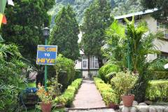 Entry View of Himalayan Yoga Resort  » Click to zoom ->